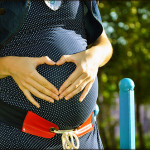 https://pixabay.com/en/pregnant-tummies-heart-244662/